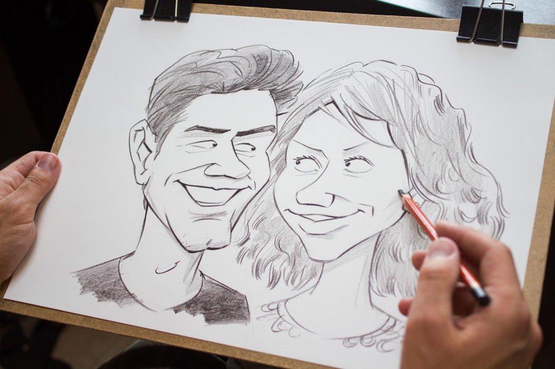 Karikatūrists pasākumā, karikatūru zīmēšana pasākumā