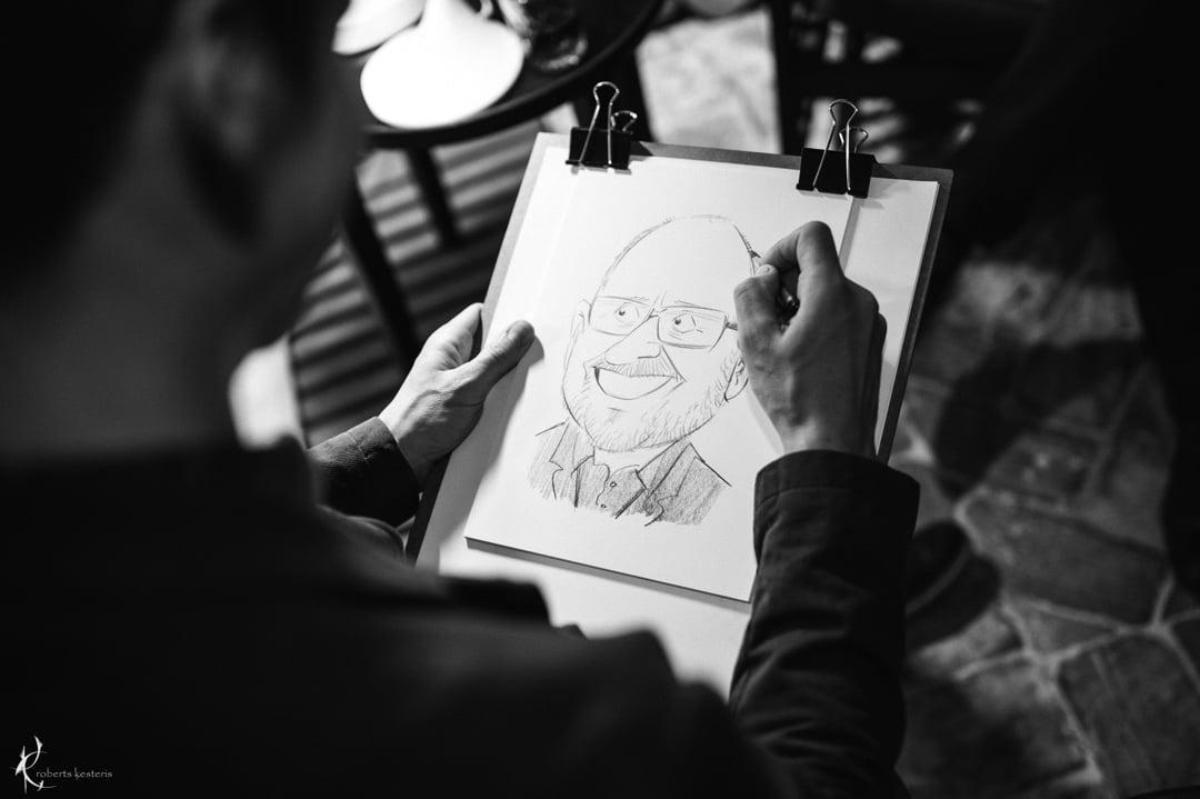 Karikatūru zīmēšana korporatīvā pasākumā
